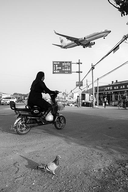 《无题》摄影:@用户5580450392  来自于《生于街头》10月