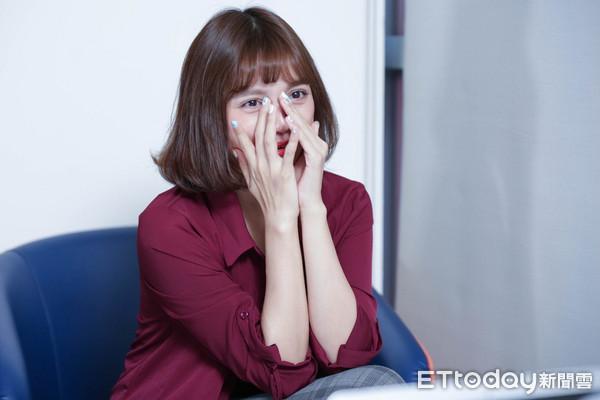 dora回想妈妈跟她道歉,忍不住流下眼泪图片