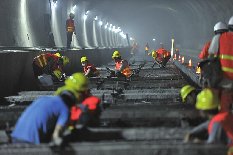 济青高铁青阳隧道提前贯通 全线2018年底开通