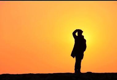 请耐心等待一次青岛的日出