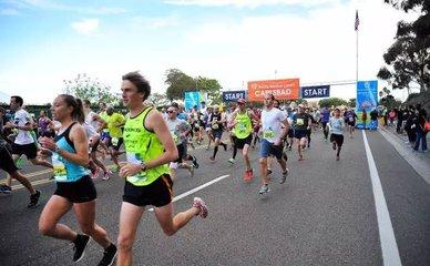 2017青岛马拉松圆满举行