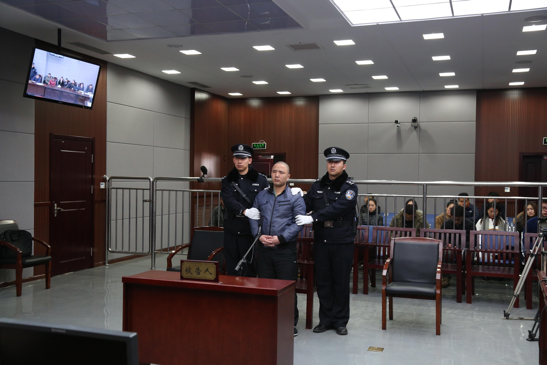 黄岛两妙龄女子遇害案今开庭 被告人李德彬供认不讳