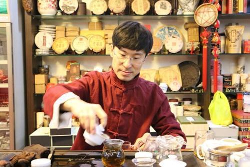 万里飘香创始人、茶博士王盛