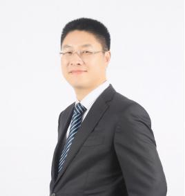 图为:东方融资网CEO胡玉建先生