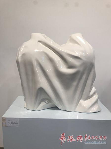 中外原创陶艺齐聚!青岛第二届国际陶瓷艺术展开展