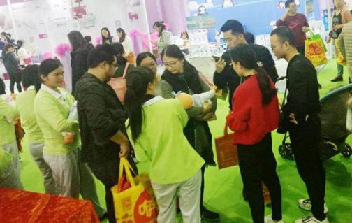 3月下旬广州母婴展上,管家帮月嫂被现场预订一空