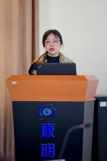 青岛大学附属医学院眼科主任 赵桂秋教授