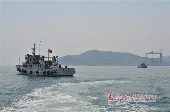 中国渔政执法船胶州湾巡航检查