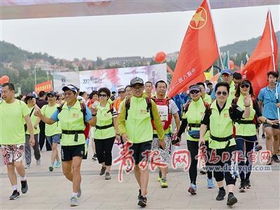 全民健身!青岛8000人集结汇泉湾 只为这项运动