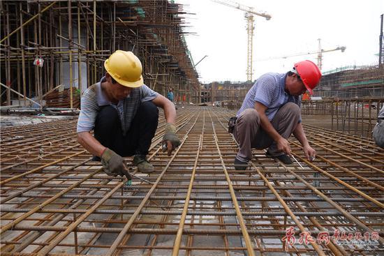 红岛会展中心首月完工3成 明年10月启用