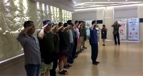 致敬,中国人民解放军!