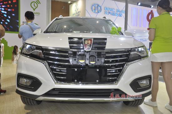 (图为EVCARD推出的新能源共享汽车)