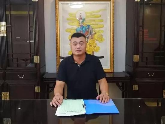 辉煌石材董事长、蚌埠市公关协会副会长 刘本东
