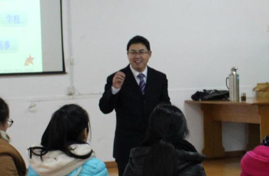环陆教育吴政秉教授与老师们探讨