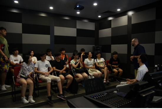 上海温哥华电影学院的好莱坞专业老师授课