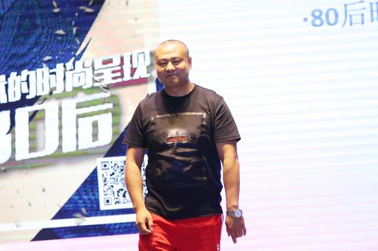 专家评委著名时尚秀导演延华先生