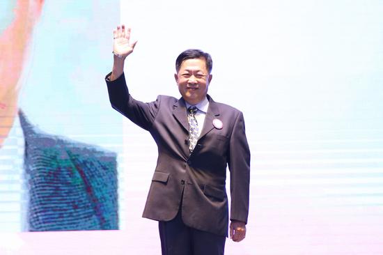 专家评委原宝进有限公司董事长王山佳先生