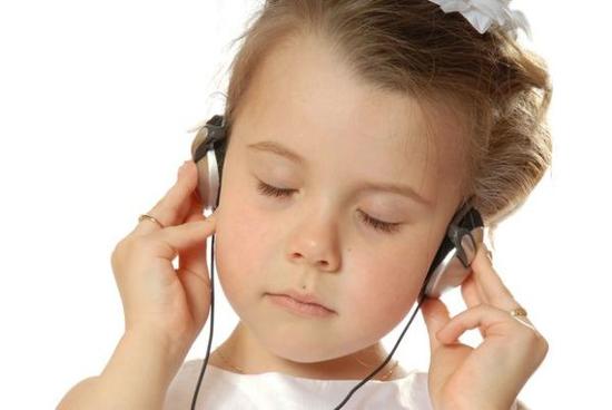 误区1:听力不好,只关注耳朵