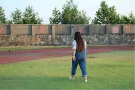 前面这张是我最胖的时照片,看那肥胖的身材......简直不忍直视!