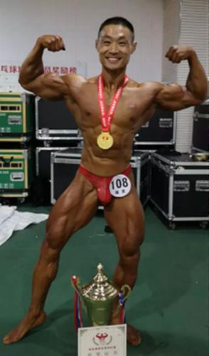古典健美171组冠军李凯伦