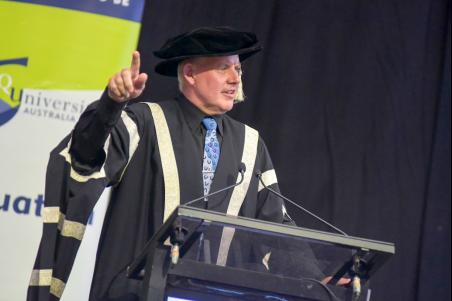 中央昆士兰大学副校长兼主席Scott Bowman教授在致词