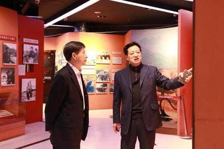 吉林省通化市王市长等一行领导参观知青博物馆·鸟巢展