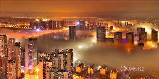 平流雾与海市蜃楼、海滋并称海上大三奇观。