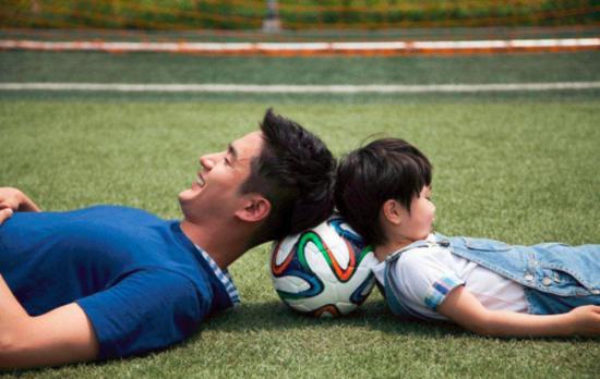 [奥莱说]听这位家长说说,少儿足球培训给孩子带来的变化