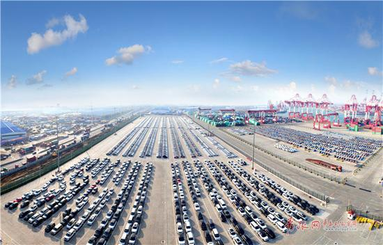 青岛前湾保税港区获批开展汽车平行进口试点。