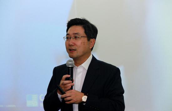 长江商学院副院长滕斌圣教授