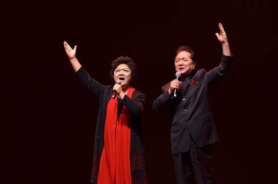 著名朗诵艺术家瞿弦和、张筠英夫妇