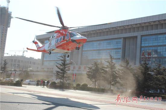 ▲全省首架医疗救援直升机落户西海岸新区。