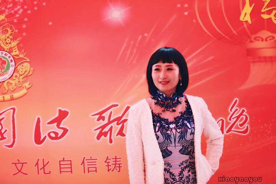 中国诗歌春晚第四届形象大使舒然