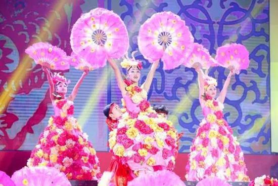 颁奖盛典开场舞《盛世颂中华》