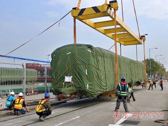国内最大地铁车辆项目首列车运抵香港。(图片由中车四方股份公司提供)