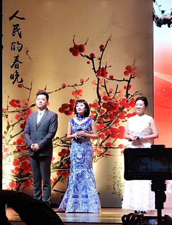 (从左至右)刘涛、舒然、刘雅阁