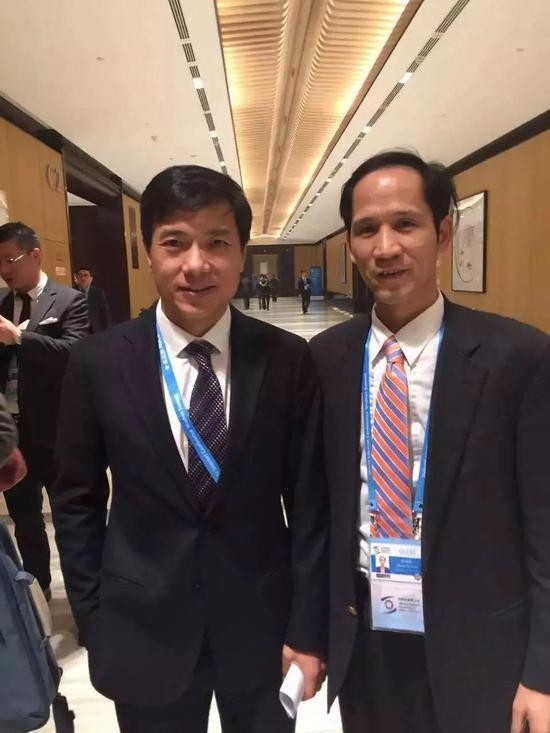 张幼标(右)与百度CEO李彦宏(左)