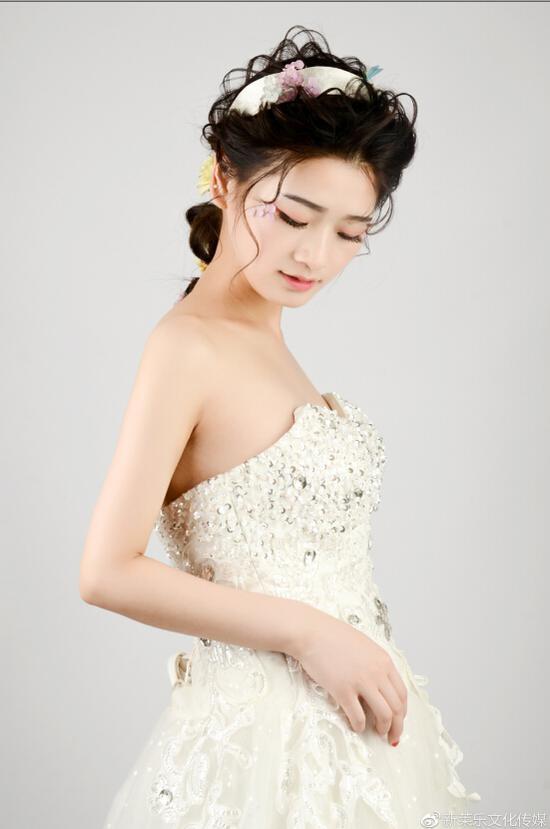 赖春梅婚纱样片