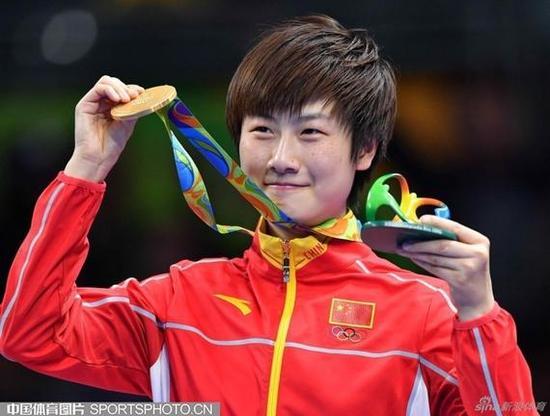 丁宁成为中国奥运代表团闭幕式旗手 国球第一人
