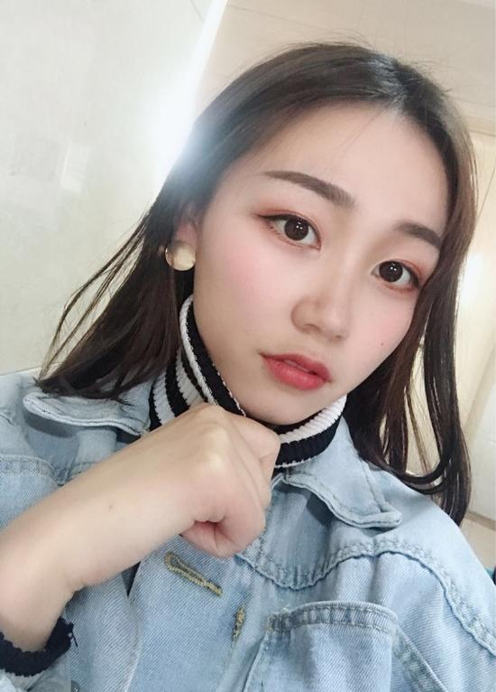 刘 毅 22岁