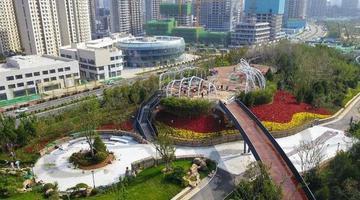 济南中央商务区首个登山栈道已成形