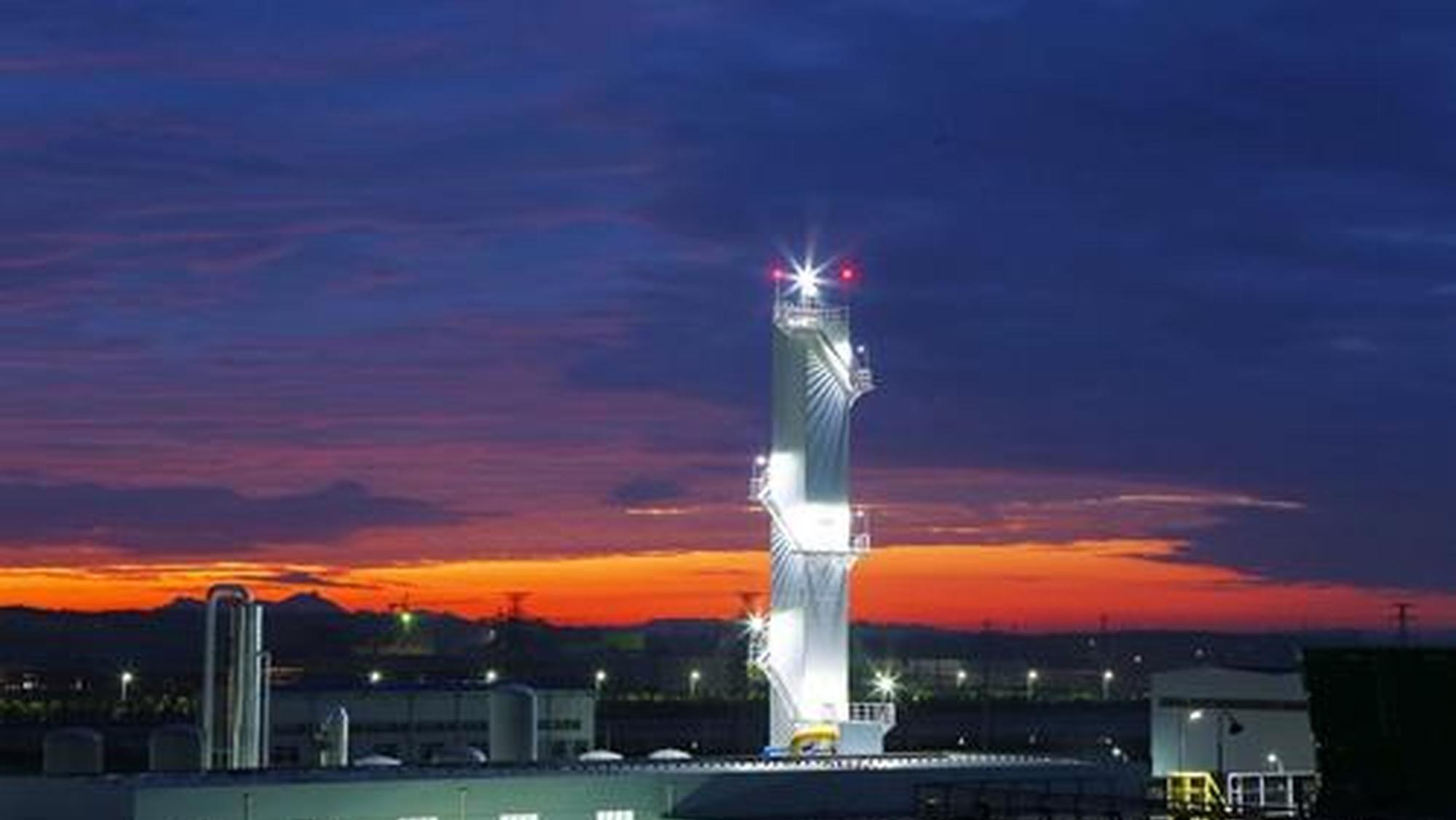 海湾化学夜景