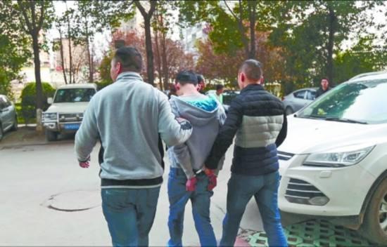 四川民警与女毒枭在电梯相遇后斗智 警方抓获多名毒贩