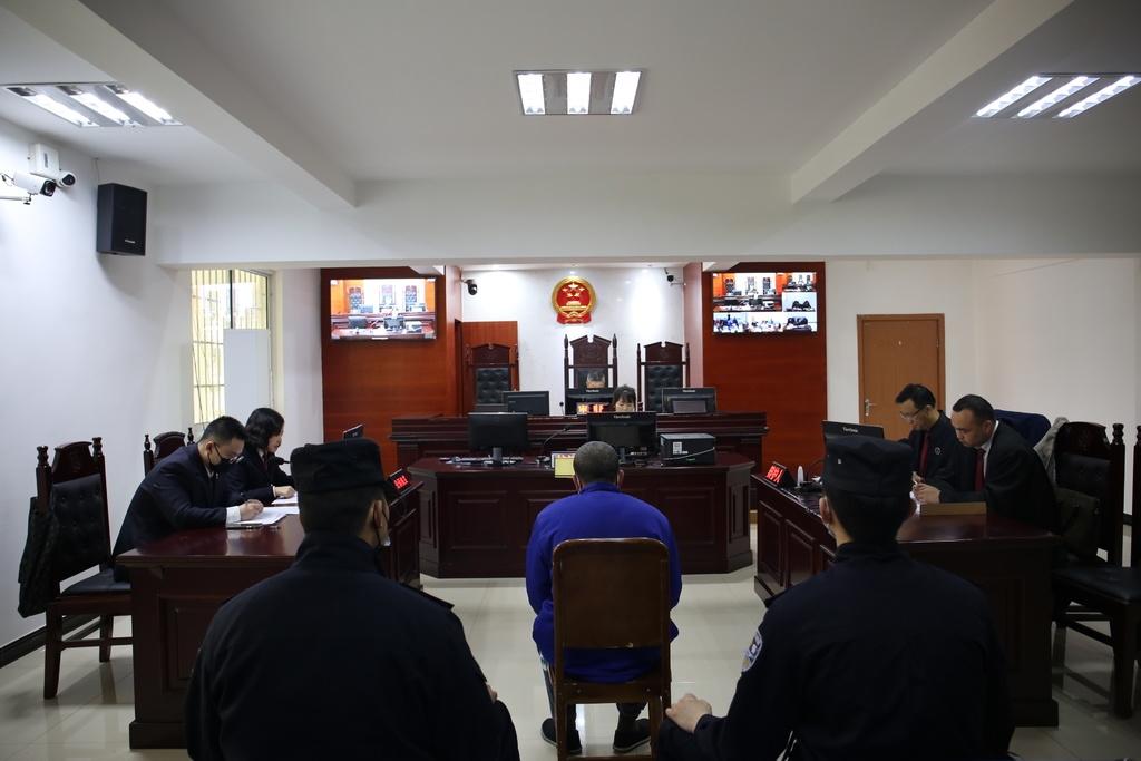 不听劝阻还拿水杯砸伤民警 广元市首例袭警罪案宣判