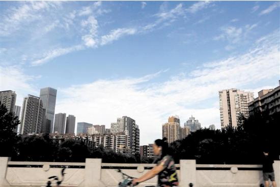 调研学习优秀城市经验 成都科技治霾取得新成果
