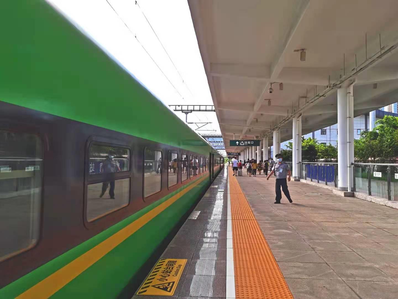 清明假期三天中国预计发送旅客1.4452亿人次