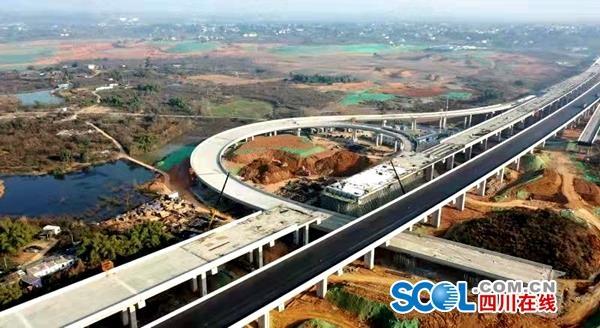 天府机场高速最新进展:首个桥梁标段贯通