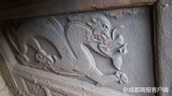 达州工地挖出疑似宋代古墓 多次被盗仍存清晰龙形图案