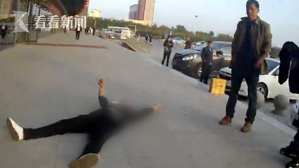 視頻|網紅酒后辱罵民警還揚言要炸車站 已被刑拘