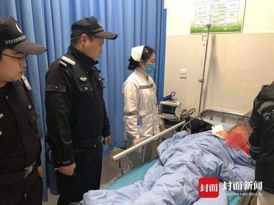 女子和母亲吵架后吞食老鼠药自杀 警车紧急送医抢回一命